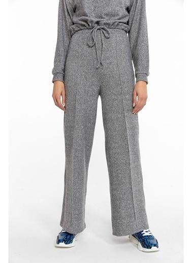 Tiffany&Tomato Batik Desenli Önden Dikişli Bol Paçalı Yün Pantolon-Siyah Gri